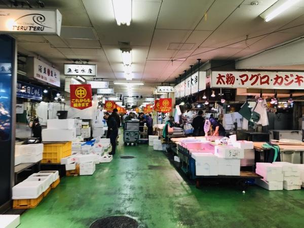 名古屋の隠れた観光スポットなら柳橋中央市場がオススメ!